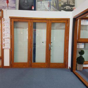 1800 Bifold Door